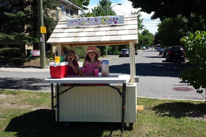 Eliza and Adela Andrews' lemonade stand in Ottawa.