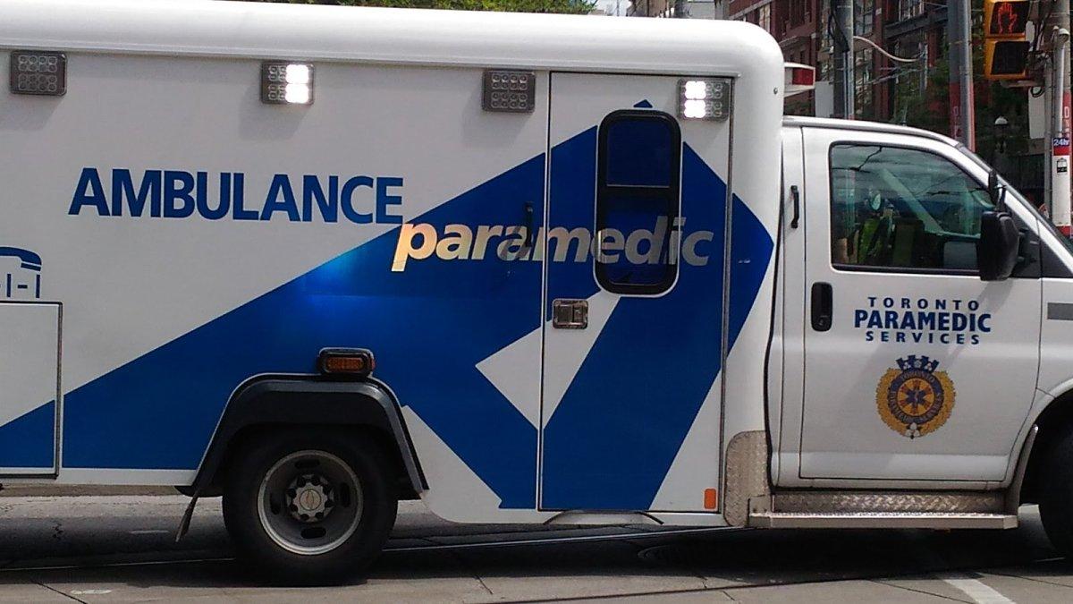 A photo of a Toronto Paramedic vehicle.
