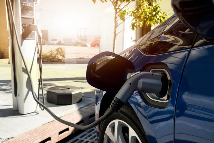 Should Canadians buy an electric car? An expert weighs in.