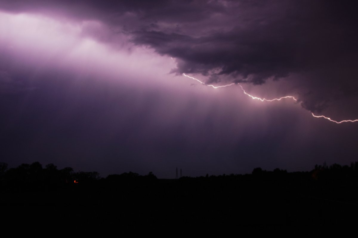 A severe thunderstorm watch has been issued throughout Southwestern Ontario by Environment Canada.