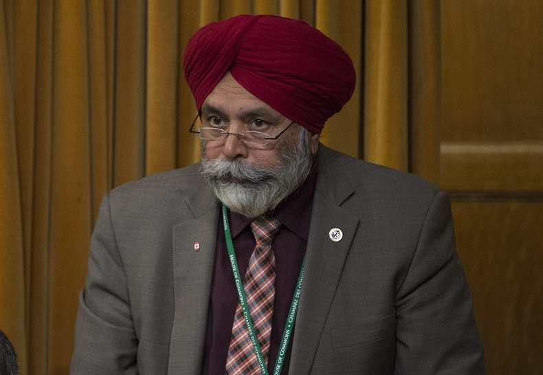 Liberal MP Darshan Singh Kang rises in the House of Commons Monday April 18, 2016 in Ottawa. THE CANADIAN PRESS IMAGES/Adrian Wyld.