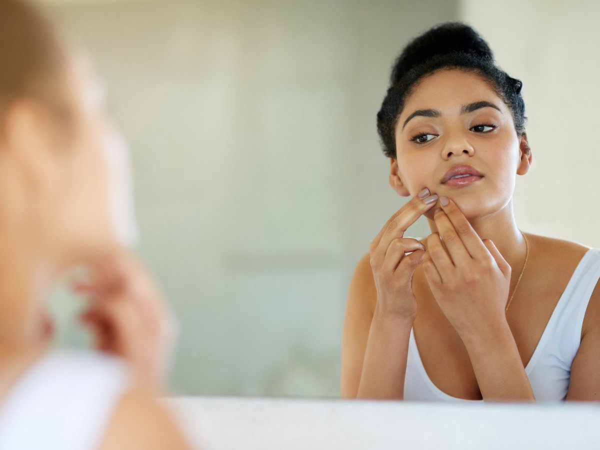 The efficacy of many acne home remedies aren't scientifically proven, but one thing is for certain, you should never, ever try to squeeze a spot.