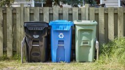 Continue reading: Calgary looking to charge for extra garbage pick-up, pass on savings to less wasteful households