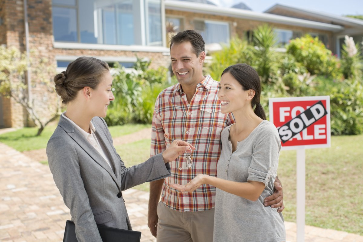 People living in Toronto are more likely to say buying a house is stressful, a Mortgage Professional Canada survey found.