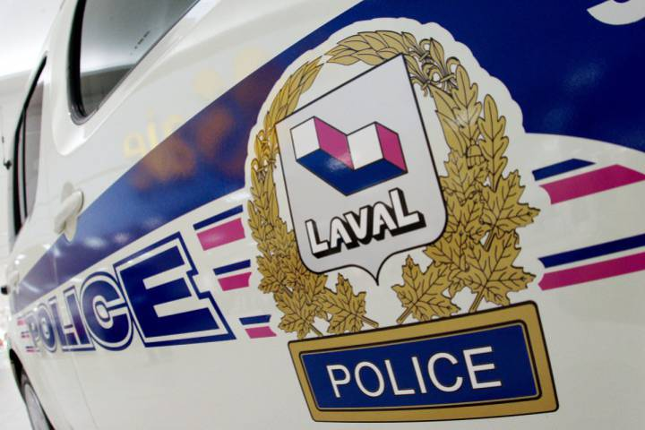 Two cars caught fire in a driveway of a residence in Laval, Monday, September 25, 2017.