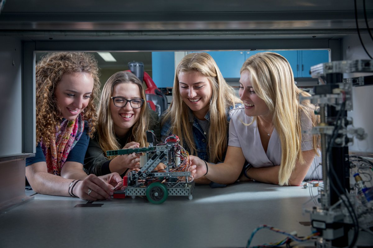 Western University receives $5-million from Linamar to support women in unique engineering-business program - image