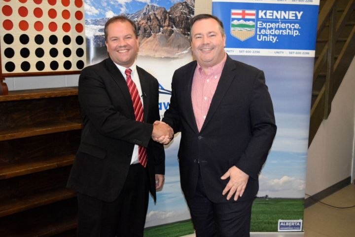 Jeff Callaway (left) has dropped out of the UCP race to endorse Jason Kenney (right).