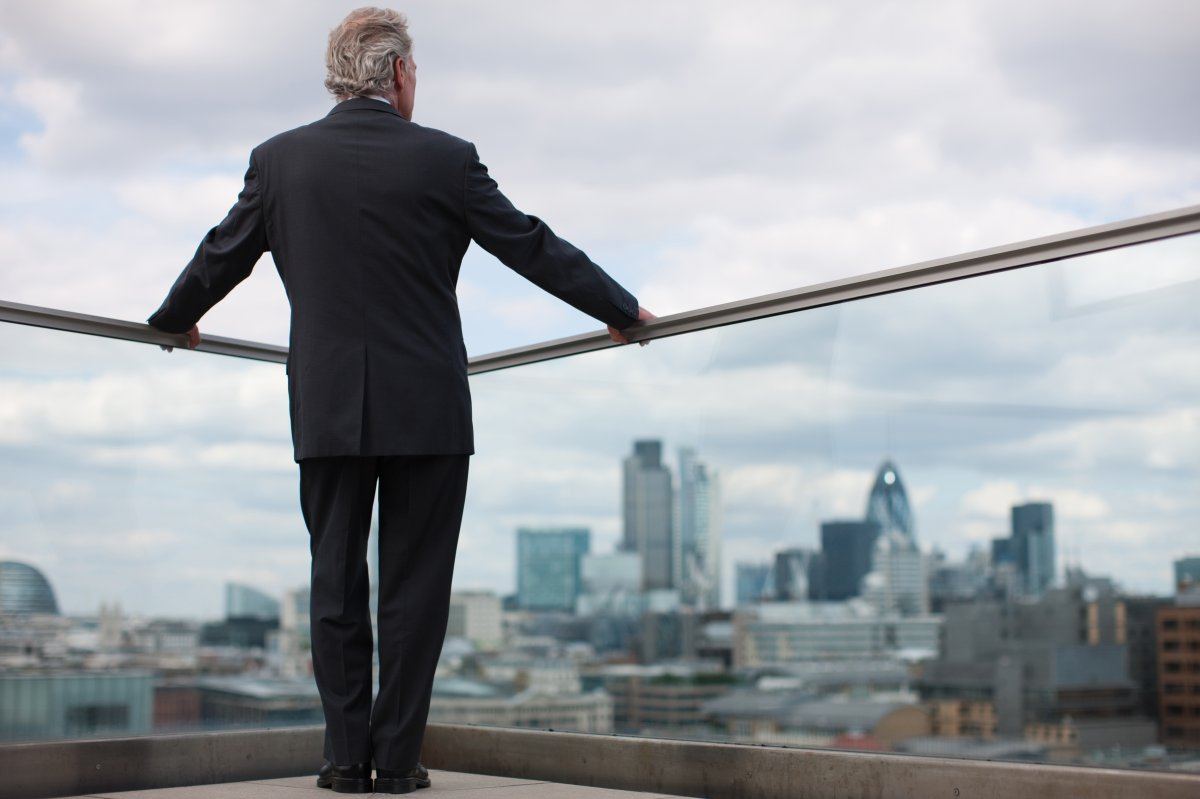 Canadian companies are taking pains to justify their CEOs' pay but keep missing the mark, according to a new report by the Quebec-based Institute for Governance of Private and Public Organizations.
