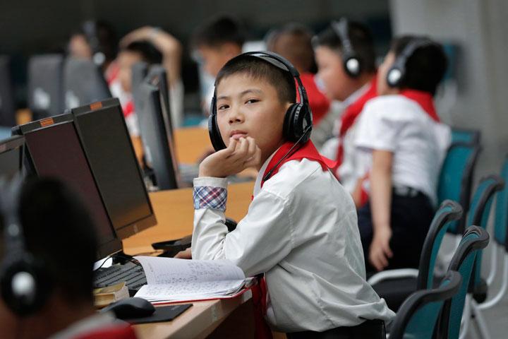 North Korean students use computers