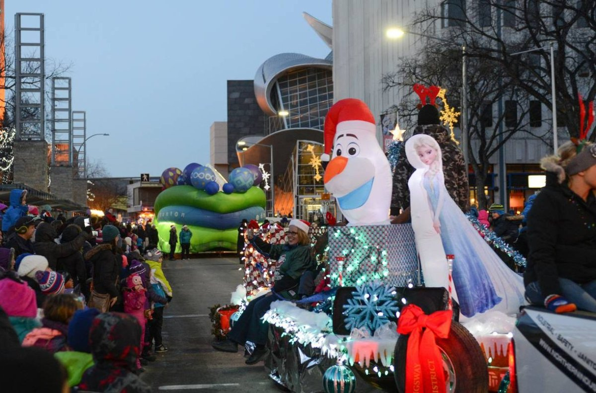 A float travels through downtown Edmonton in the 2016 Santa's Parade of Lights. Edmonton in the 2016 Santa's Parade of Lights.