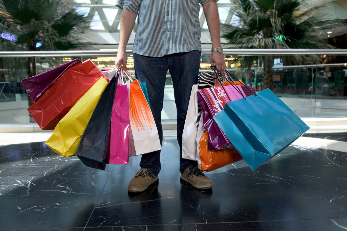 The Canadian economy recorded growth well below analysts' expectations, dragged down by a cooling housing market and modest growth in consumer spending.