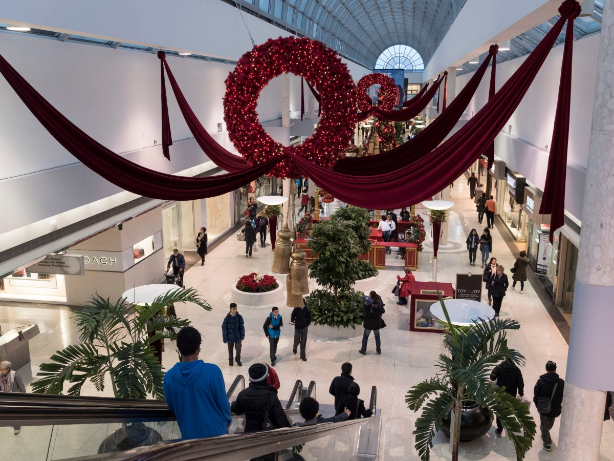 Christmas decorations welcome last-minute shoppers to Oakridge Centre mall, Vancouver, B.C., Dec. 18, 2014.