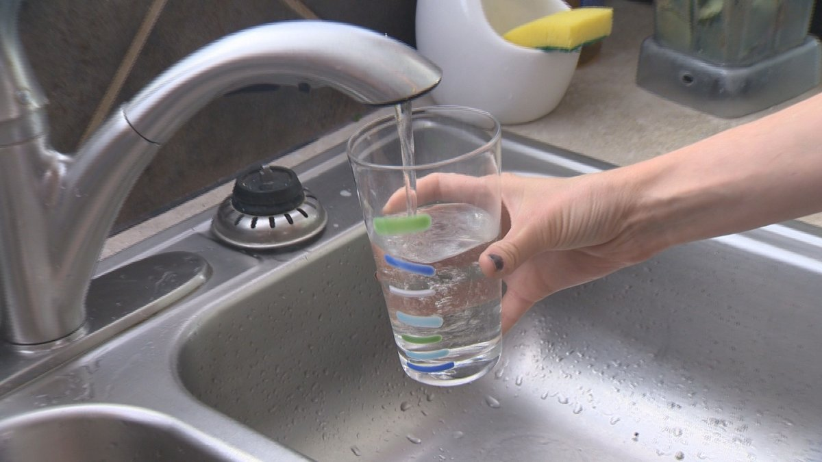 Residents of Victoria Beach and vacationers heading to Lake Winnipeg are being asked to reduce their water consumption.
