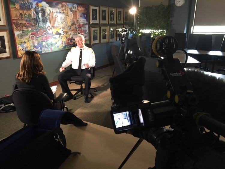 Edmonton Fire Chief Ken Block speaks with Global News in a year-end interview in December 2017.