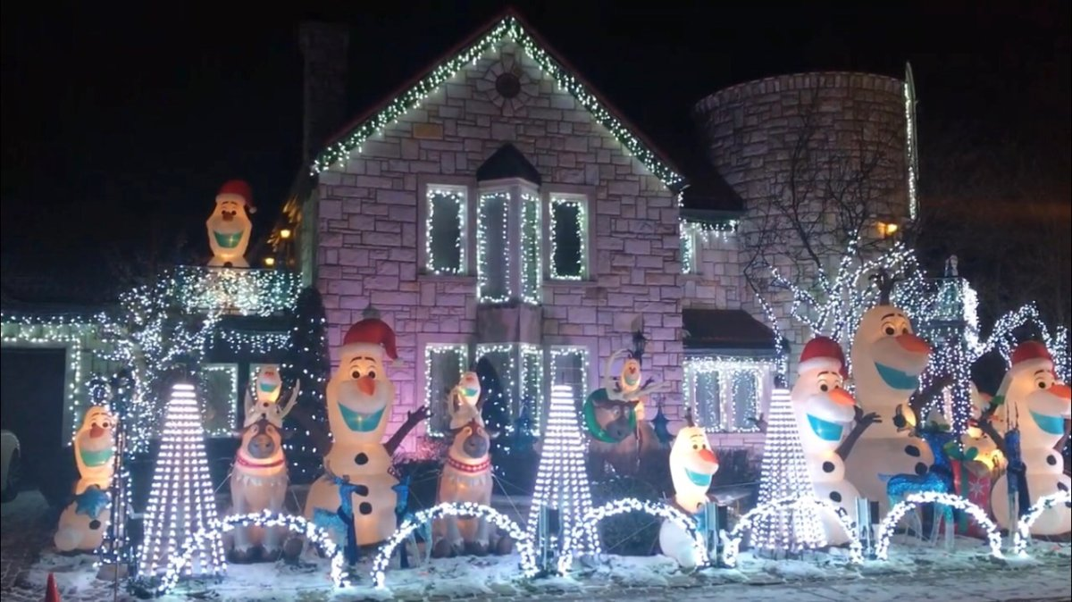 Sami Hajjar's home is located at 9035 avenue Jean-Bourdon, in the borough of Ahuntsic-Cartierville. Light shows start on the hour between 5 p.m. and 9 p.m. until January 5, 2018.