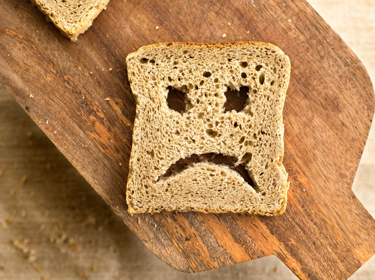Food allergies and intolerances have very different signs and symptoms.