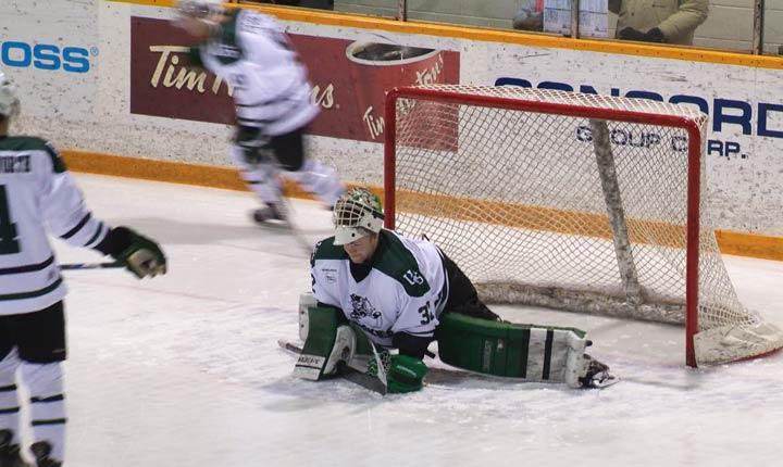 The Saskatchewan Huskies men's hockey team swept the Calgary Dinos at Rutherford Rink this past weekend.