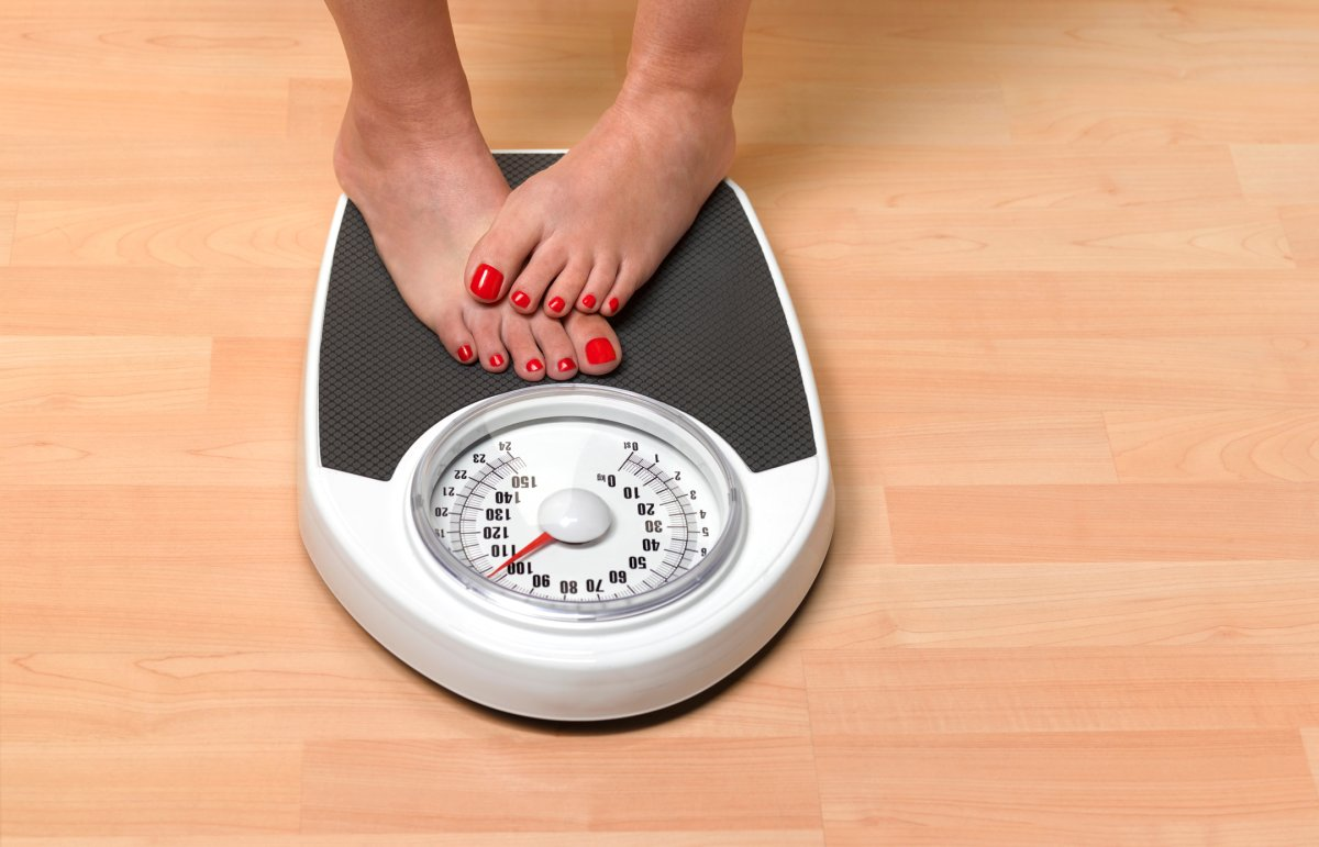 To keep weight off, lose weight gradually – not quickly, experts say.