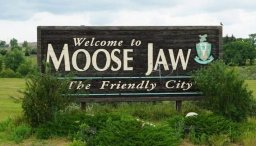 Continue reading: Cyclists under the age of 16 must wear helmets in Moose Jaw