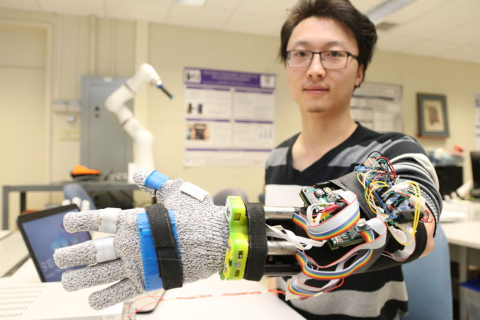 The prototype was created specifically for the left hand of Western doctoral student Yue Zhou, who 3D-printed its key components.