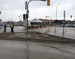 Continue reading: Sinkhole shuts down part of Winnipeg intersection