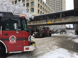 Continue reading: Vehicle crashes into downtown Winnipeg skywalk