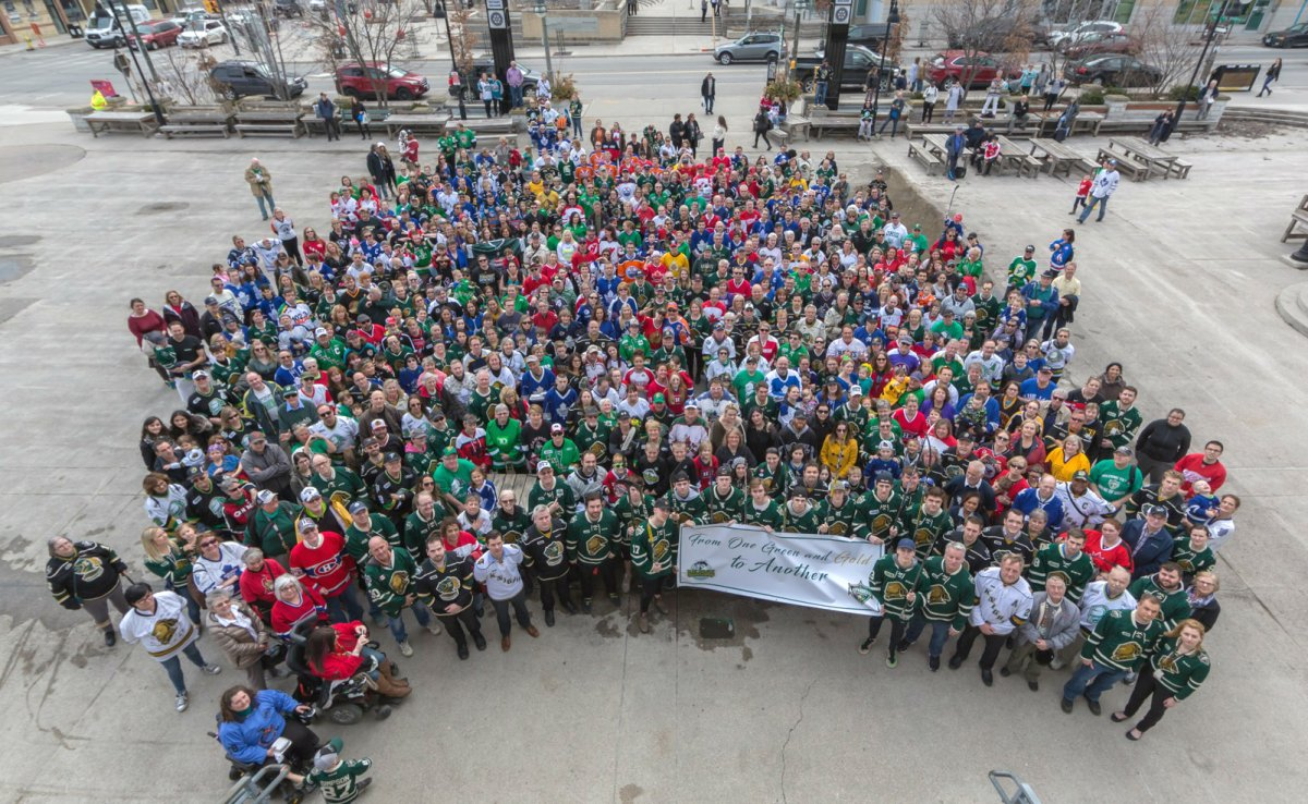 The community photo taken on Jersey Day by the London Knights.
