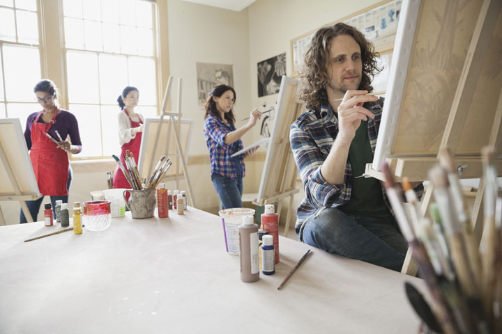 Art classes and other social activities can help people improve their mental health, according to a growing movement in the U.K.
