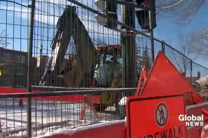 FILE: Construction on 17 Avenue S.W.
