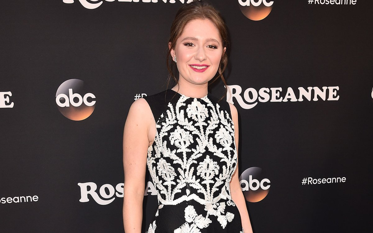 Emma Kenney attends the premiere of ABC's 'Roseanne' at Walt Disney Studio Lot on March 23, 2018 in Burbank, California.
