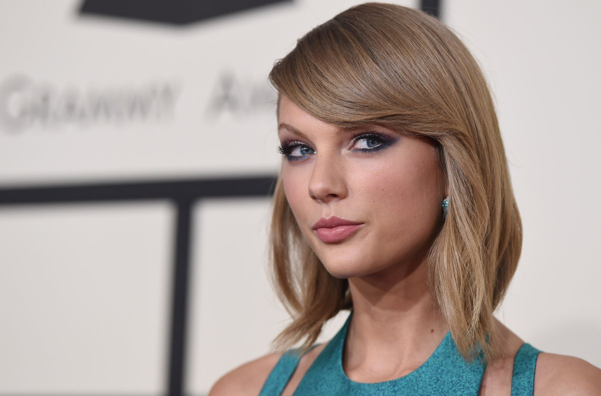 Recording artist Taylor Swift arrives at the 57th Annual GRAMMY Awards at Staples Center on February 8, 2015 in Los Angeles, California.