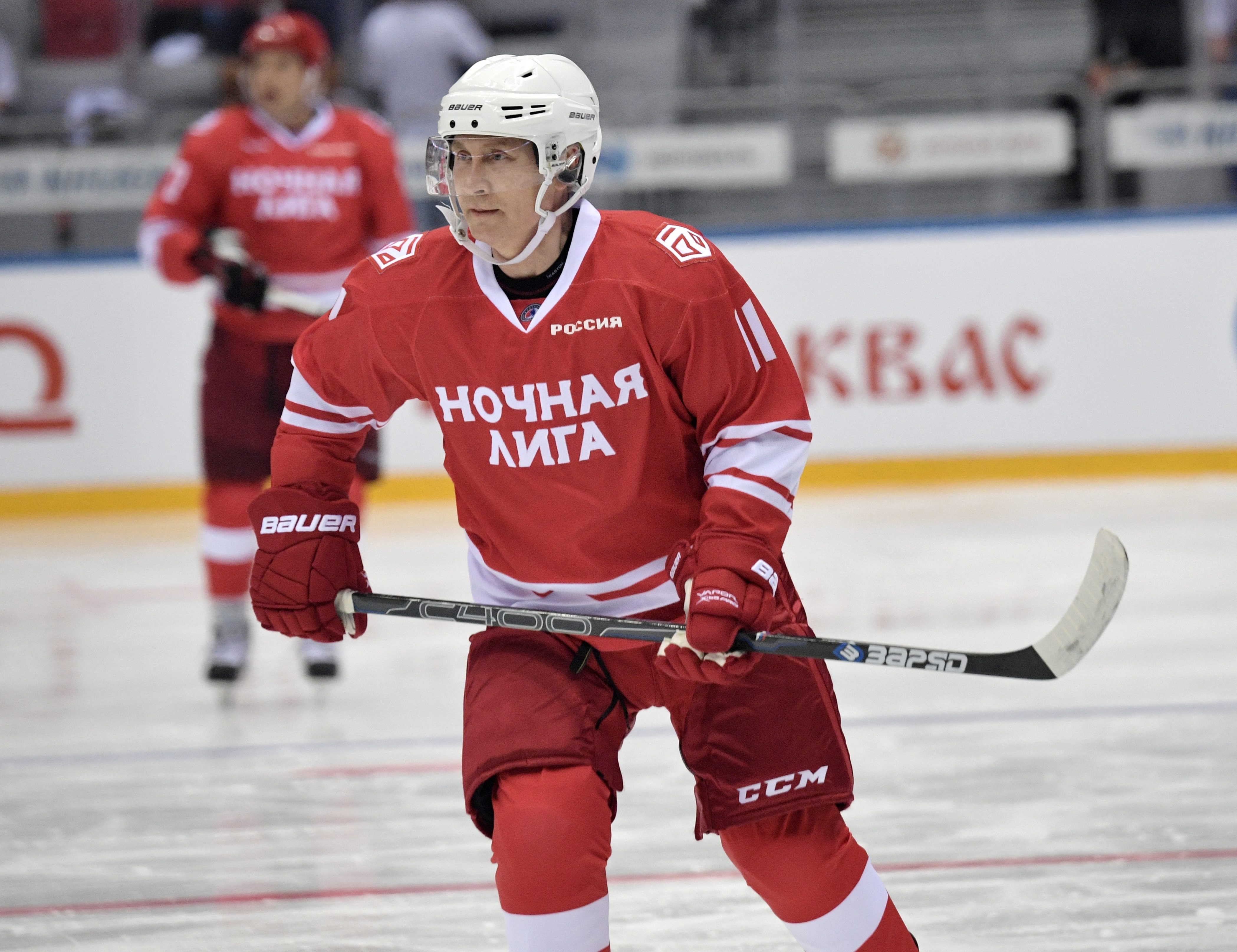 Putin Scores 5 Goals In Exhibition Hockey Game With Former Nhlers National Globalnews Ca