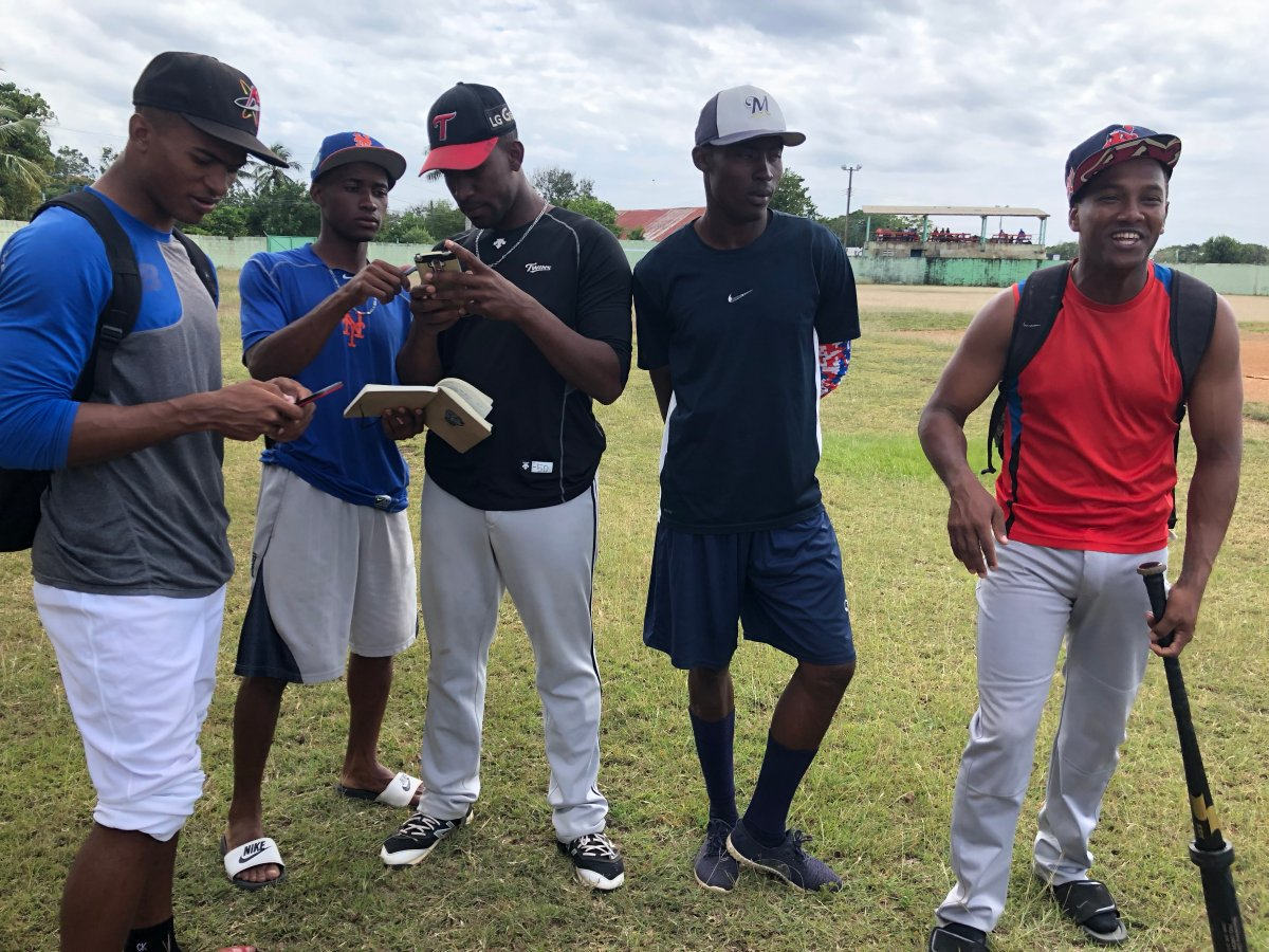 The Guelph Royals have signed five import players from the Dominican Republic ahead of their home opener on Saturday.