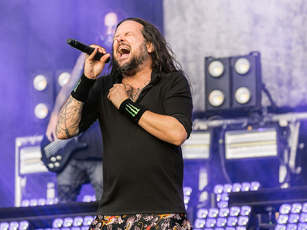 Jonathan Davis performs at Reading Festival at Richfield Avenue on August 26, 2017 in Reading, England.