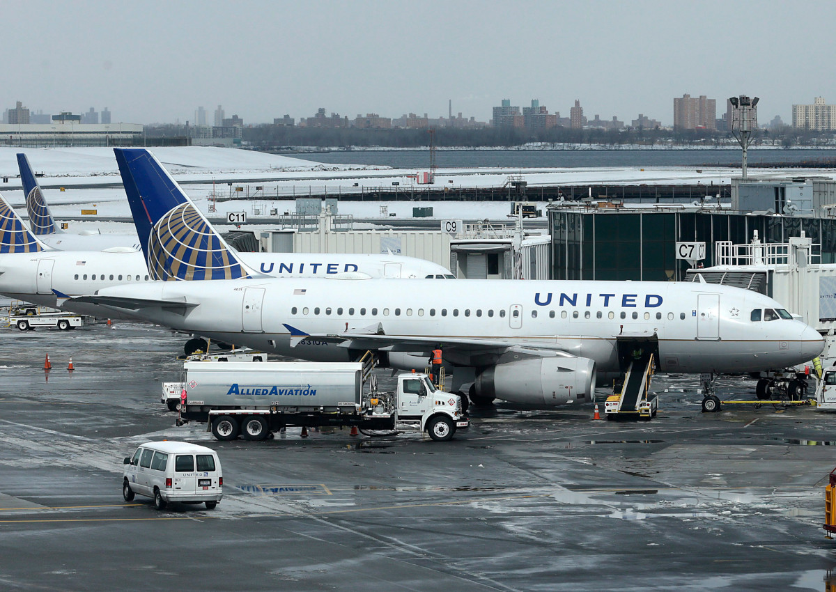 In this March 15, 2017, file photo, United Airlines jets sit on the tarmac at LaGuardia Airport in New York.