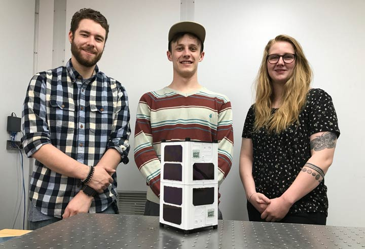 A University of Saskatchewan-led space design team has been chosen by the Canadian Space Agency to prepare a research satellite for launch.