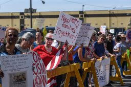 Continue reading: Edmontonians plan rally against detention of immigrant families