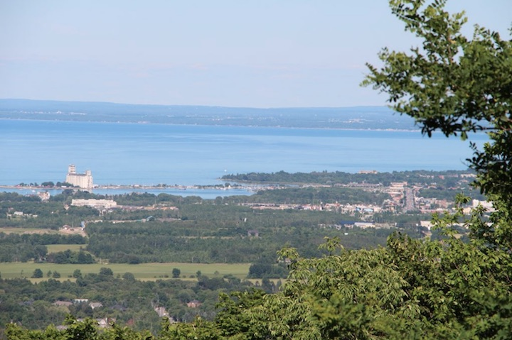 A view of Collingwood as seen from the lookout on Scenic Caves Road near Blue Mountain Resort.