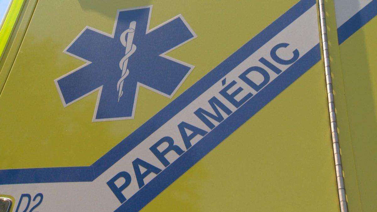 An Urgences-Santé ambulance.