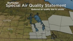 Continue reading: Thick smoke caused by forest fires near the Manitoba-Ontario border