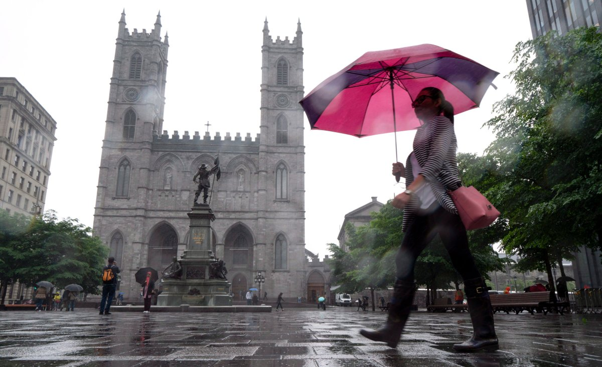 Thunderstorm warnings are in effect for Montreal.