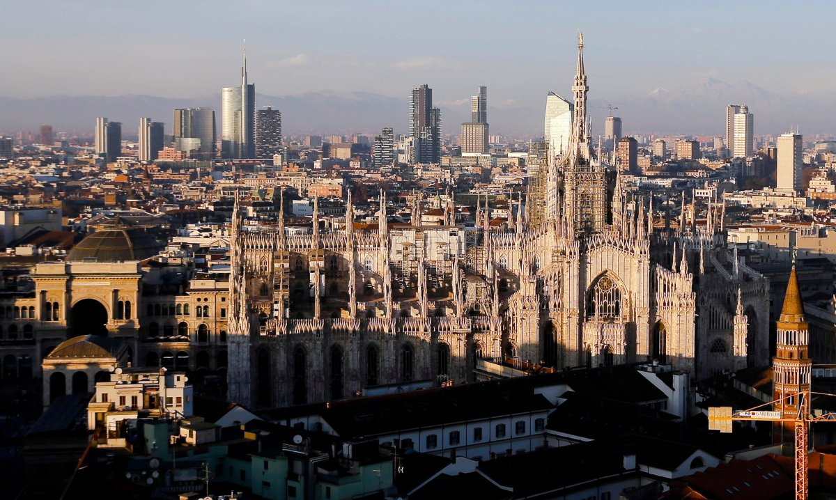 Italy's three-pronged bid for the 2026 Winter Olympics has been reduced to a two-city candidacy featuring Milan and Cortina d'Ampezzo.