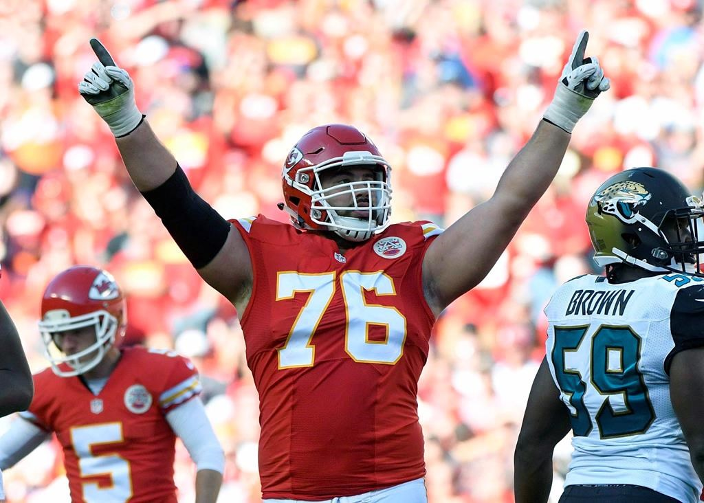 Kansas City Chiefs offensive lineman Laurent Duvernay-Tardif is now working in a long-term care facility in Quebec.