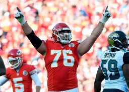 Continue reading: Canadian NFL star Laurent Duvernay-Tardif still planning to resume football career with Chiefs