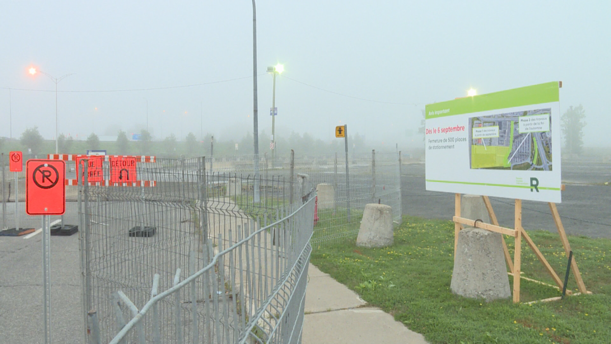 Five hundred parking spaces have been closed at the Panama bus terminal in Borossard to facilitate REM construction.  (Global News).