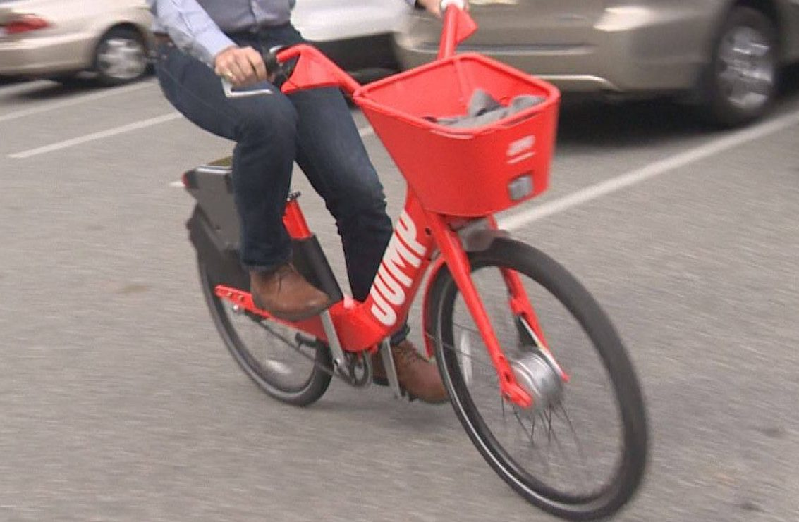 Uber's JUMP bikes are powered by electric batteries and can reach speeds of up to 32 kilometres per hour.