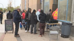 Continue reading: Winnipeg health fair connects less fortunate with health-care professionals