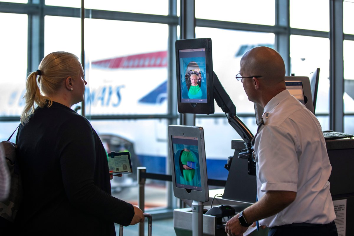 Say cheese: U.S. airports plan to scan your face at security, bag check and boarding - National | Globalnews.ca