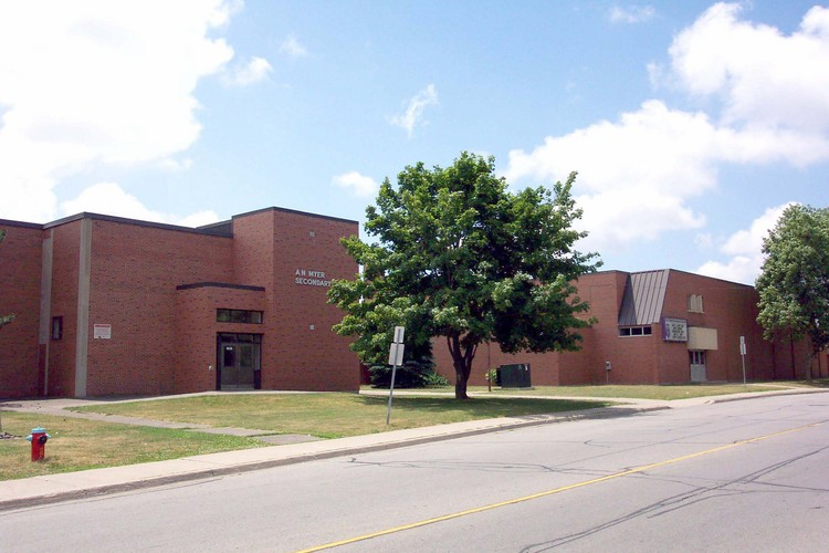 Niagara Police have arrested a 15 year old boy, after threats were made against a local high school.