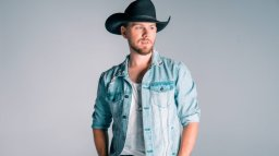 Continue reading: Brett Kissel announced as opener for Garth Brooks